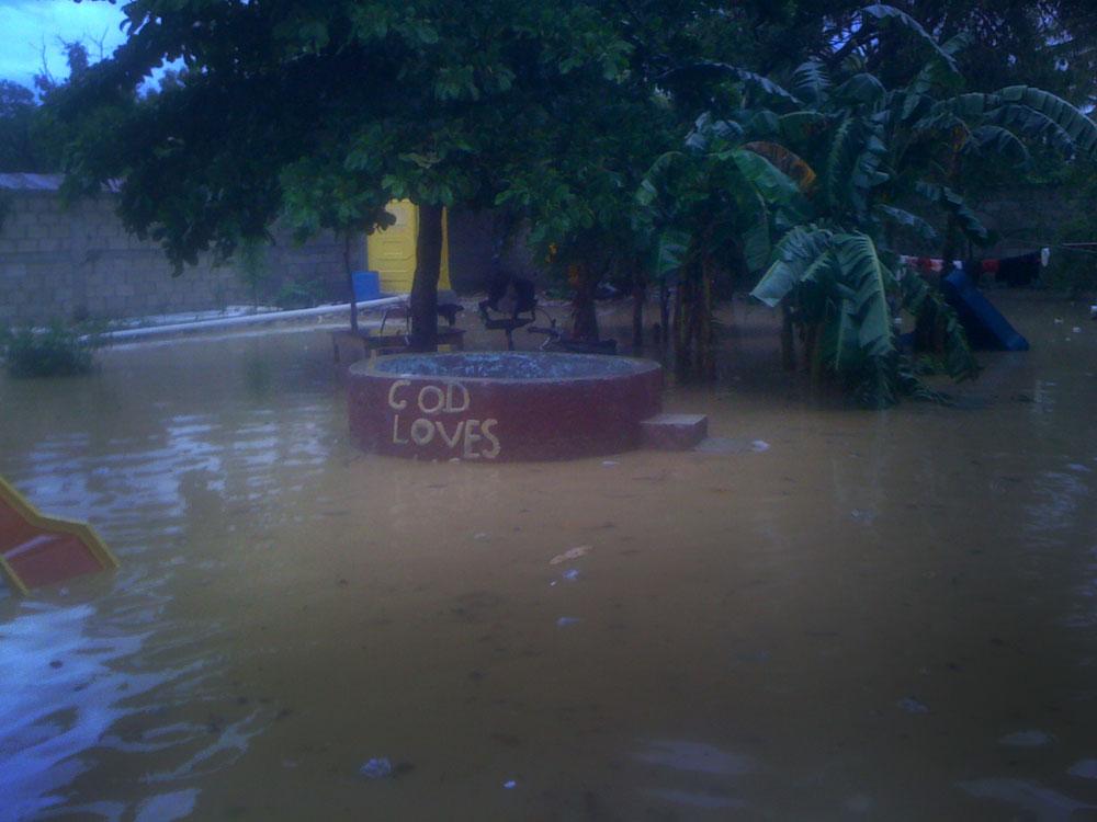flooded_yard_07